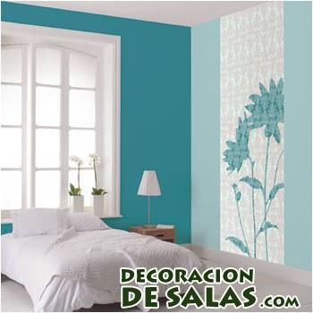 habitación con paredes turquesa