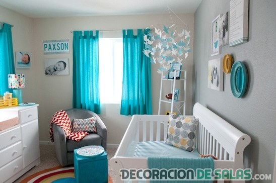 habitación de bebé en turquesa