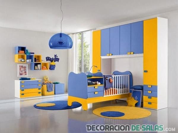 habitación de bebés en azul y amarillo