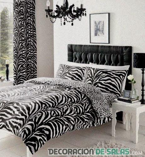 habitación decorada con estampado animal