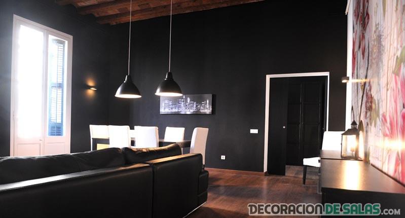 habitación grande en colores oscuros