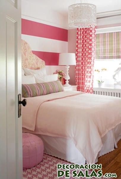 habitación infantil con techo en rosa