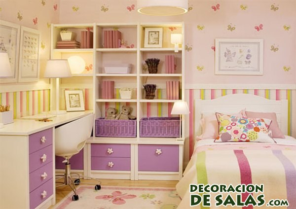 habitación pequeña en rosa para niña