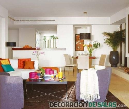 interior amplio en colores