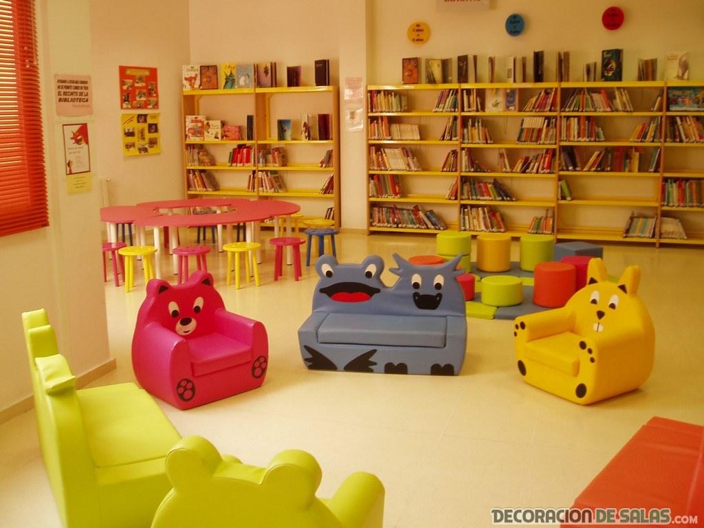 librerías por las paredes de cuartos infantiles
