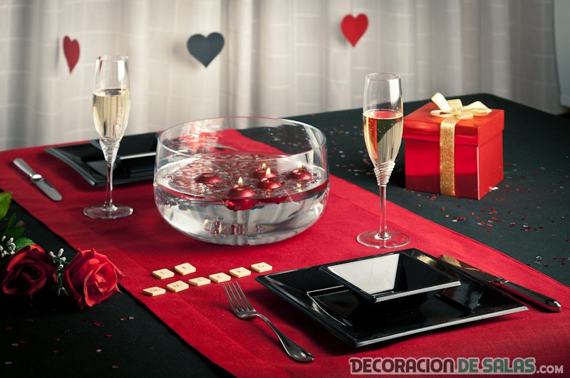 mesa san valentín romántica