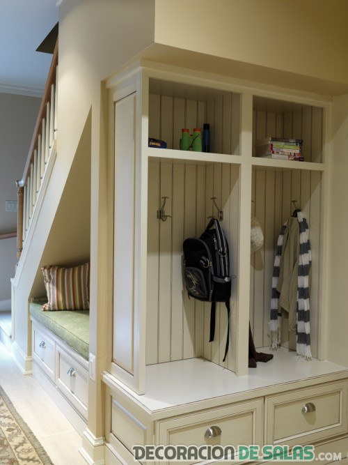mueble ropero para bajo de escalera