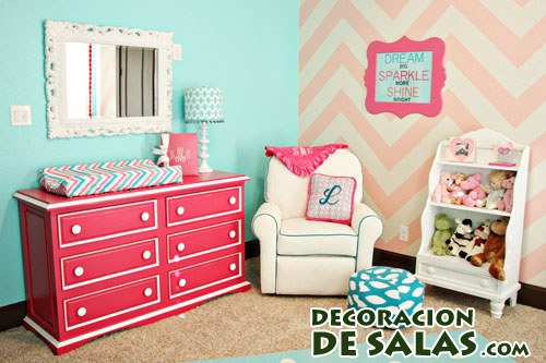 muebles color coral intenso
