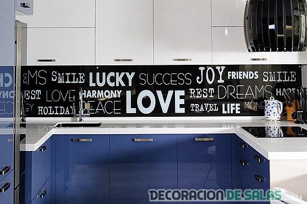 paredes de cocina con vinilos