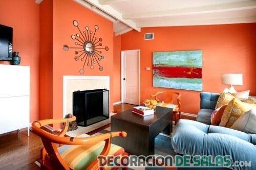 paredes del salón en color naranja