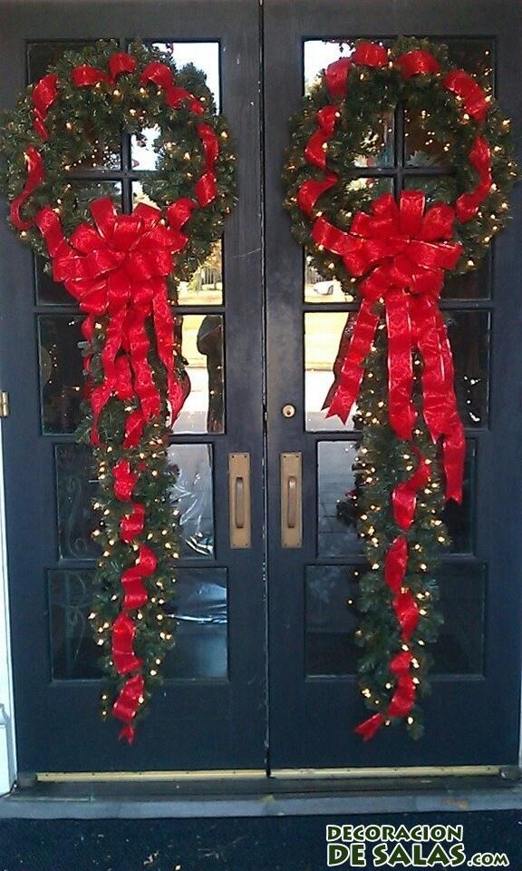 Decora las puertas en navidad decoraci n de salas for Decoracion de navidad para ventanas y puertas