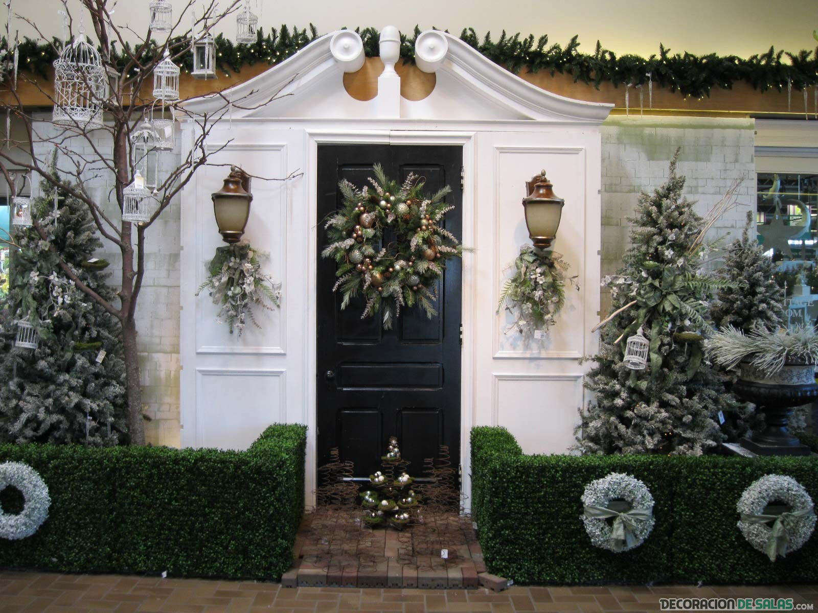 puerta decorada para navidad