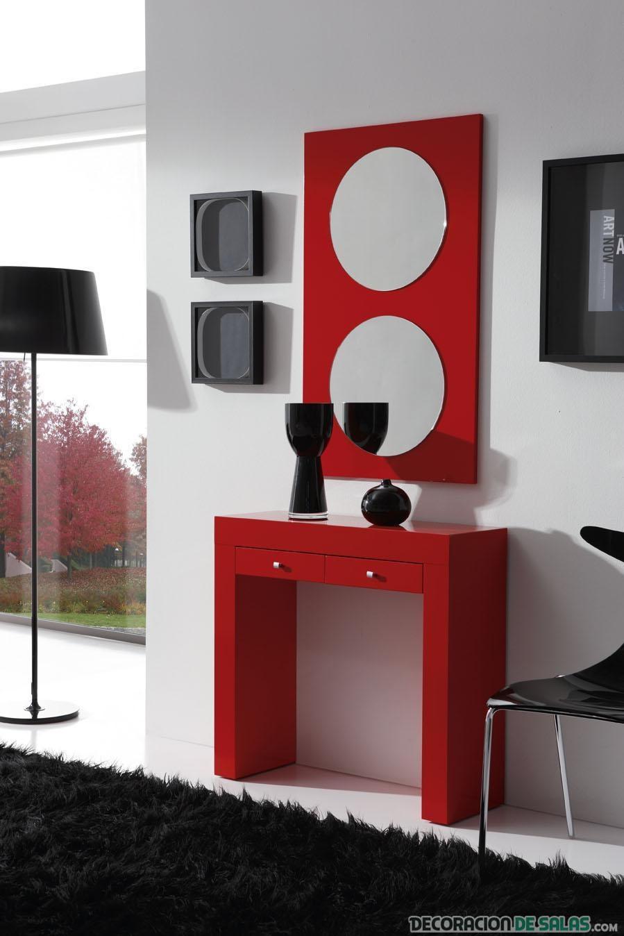 recibidor con mesa en rojo
