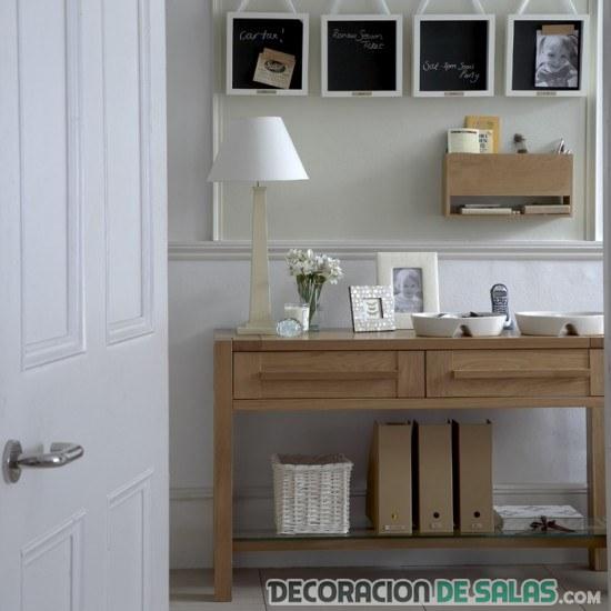 recibidor de madera sencillo