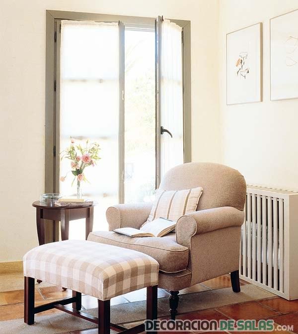 rincón con sofá clásico