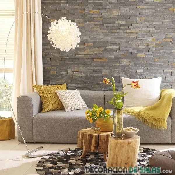 sala con pared de revestimiento