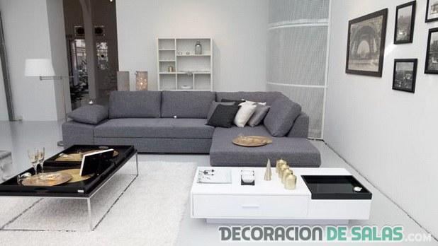 sala con sofá gris minimalista