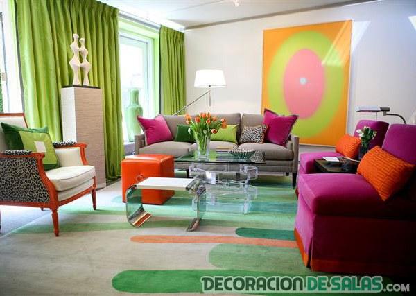 salón con colores muy llamativos