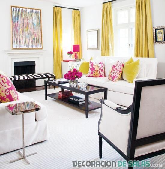 salón con cortinas en amarillo