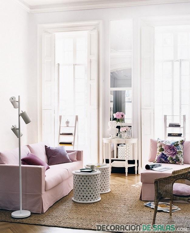 salón con pared en rosa