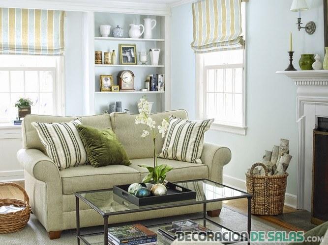 salón con sofá biplaza