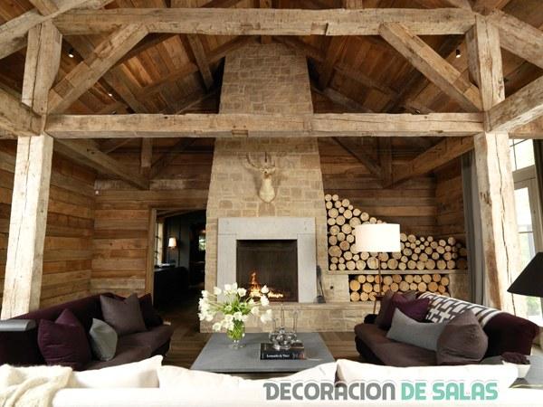 salón con triple sofá