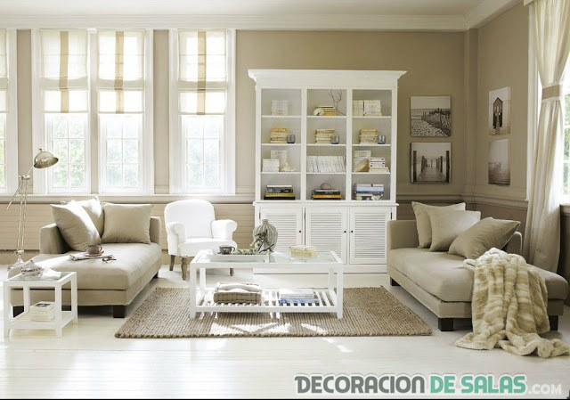salón decorado en colores beige