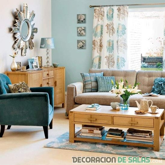 salón en azul y madera