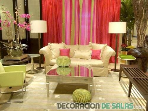 salón en colores llamativos y refrescantes