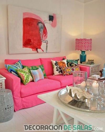 salón en rosa fuerte muy llamativo