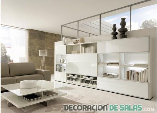 salón minimalista con mueble en blanco