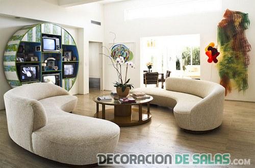 Salón moderno con muebles circulares