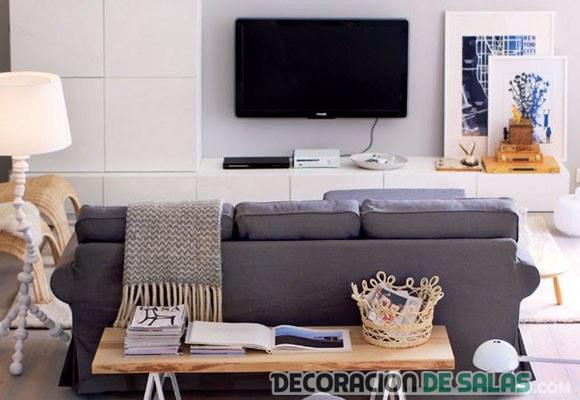 salón moderno con televisor en la pared