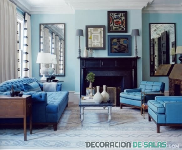 salón monocromático en azul