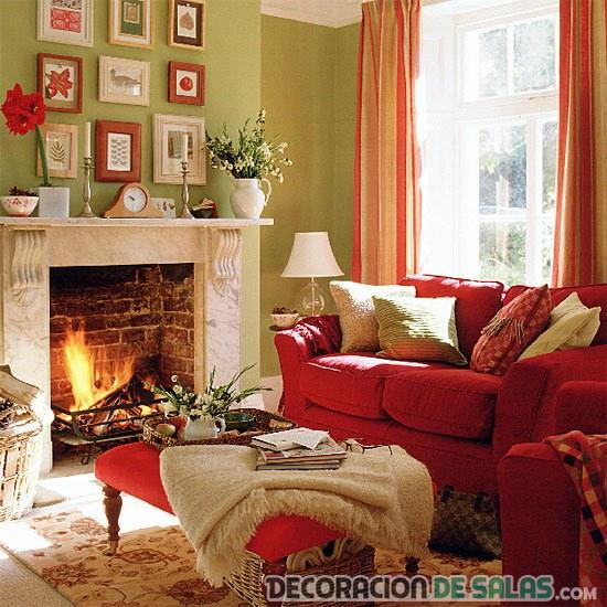 salón pequeño con sofá rojo