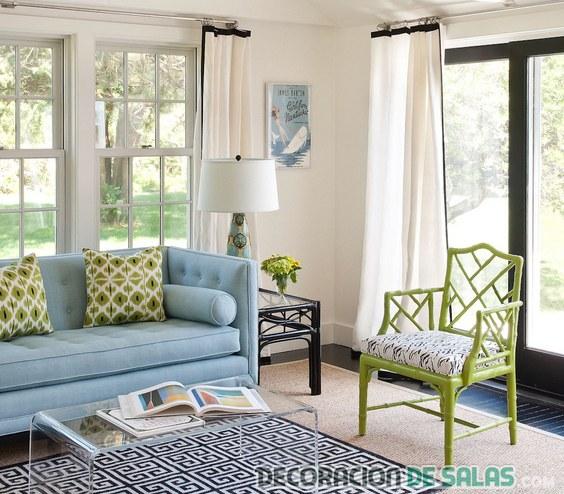 salón pequeño en color azul moderno