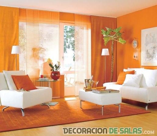 Salón pequeño en color naranja