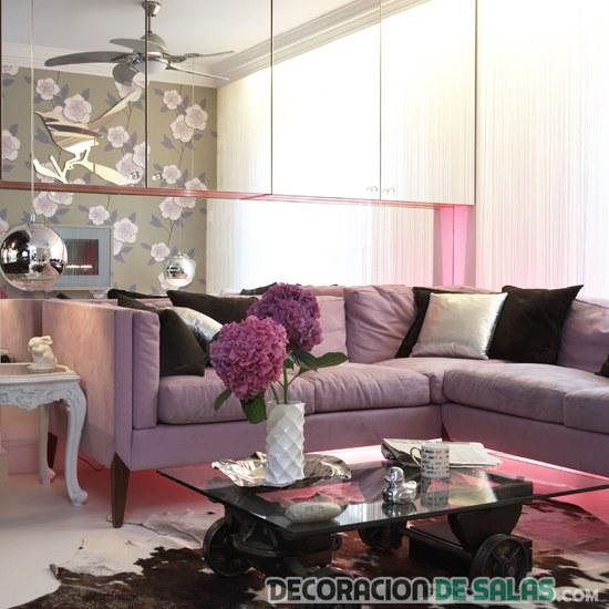 salón pequeño en color rosado