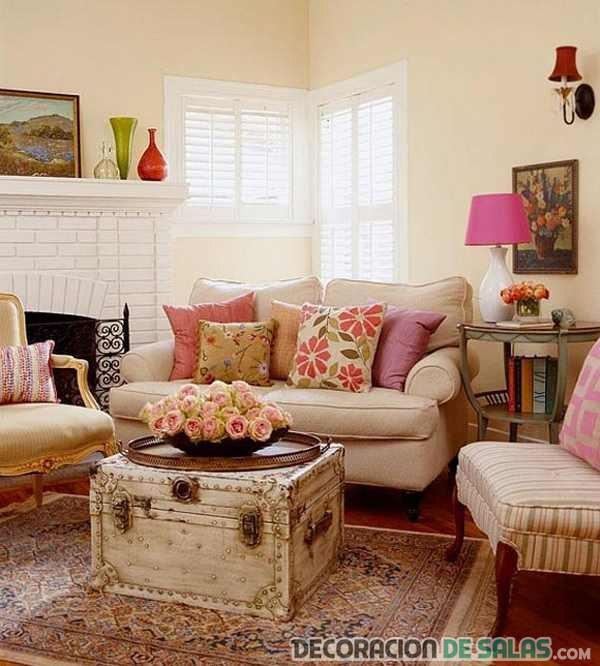 salón pequeño en colores claros