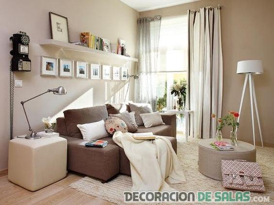 salón pequeño en marrón