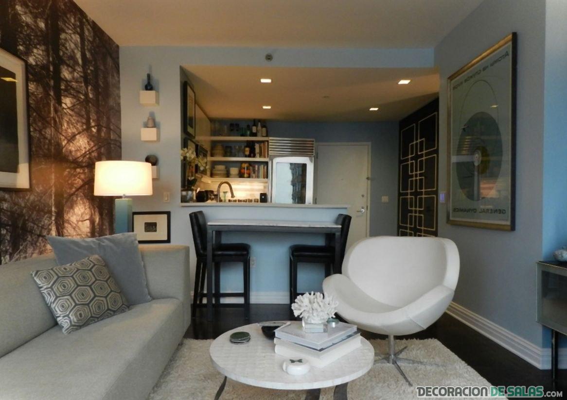 salón pequeño y abierto con sofás