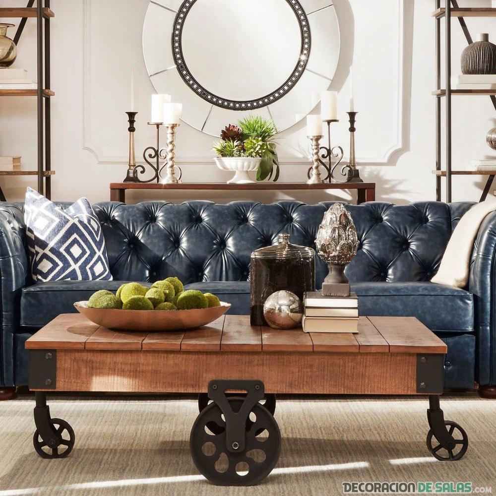 salón vintage con mesa rústica