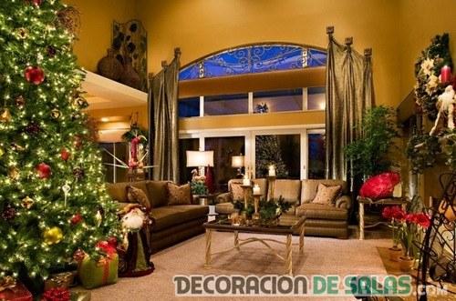 Salones amplios decorados para navidad
