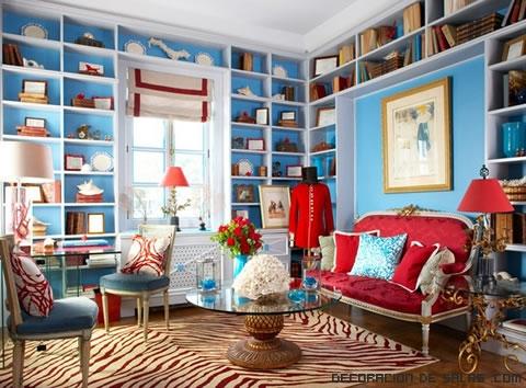 combinación de azul y rojo en salones