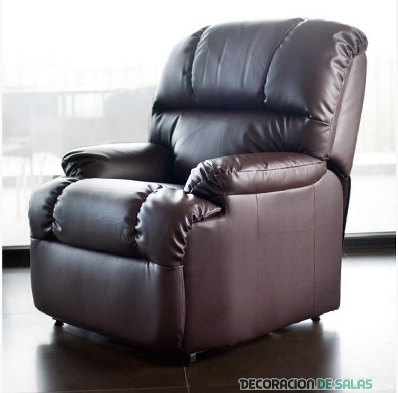 sillón de relax en piel marrón