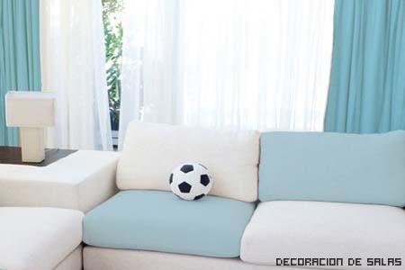 sofa azul y blanco