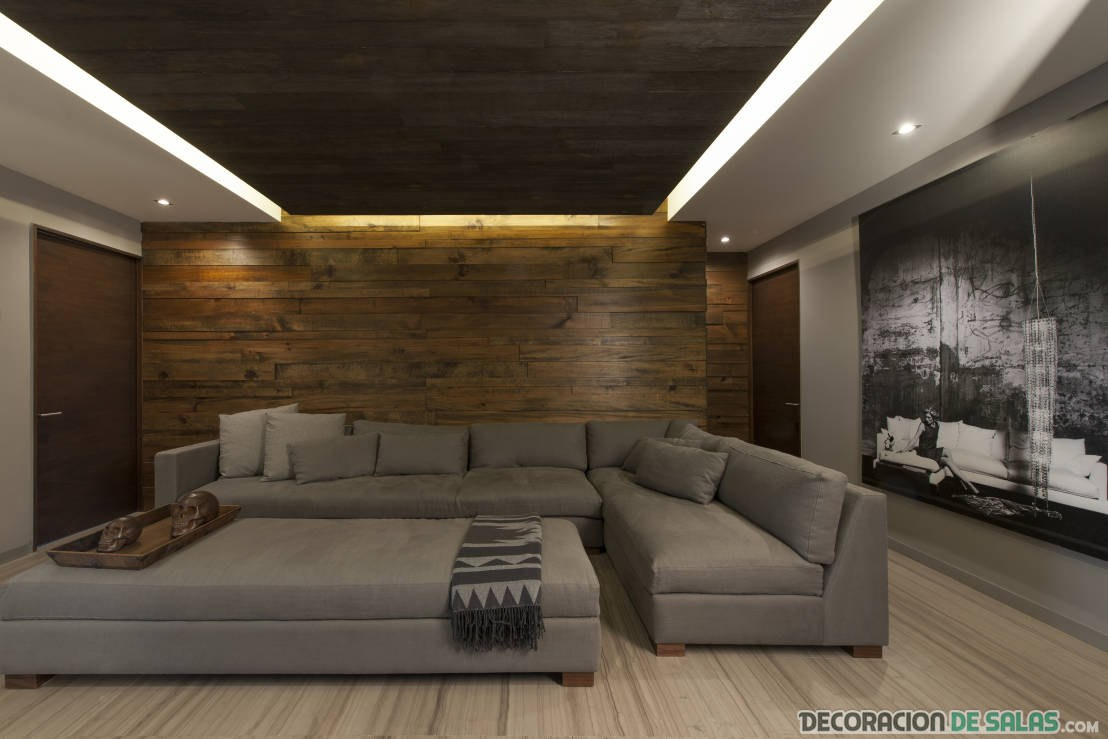 sofá esquinero de lujo en salón grande