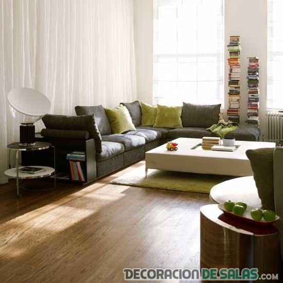 sofá esquinero en piso moderno