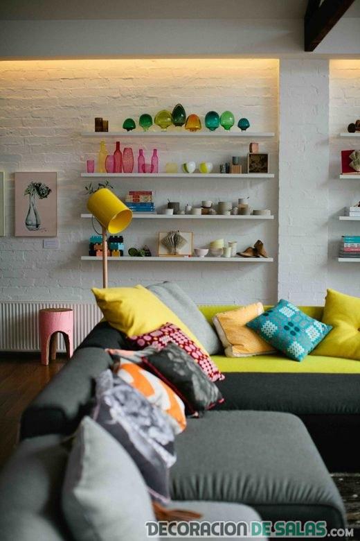 sofá gris para salón en color