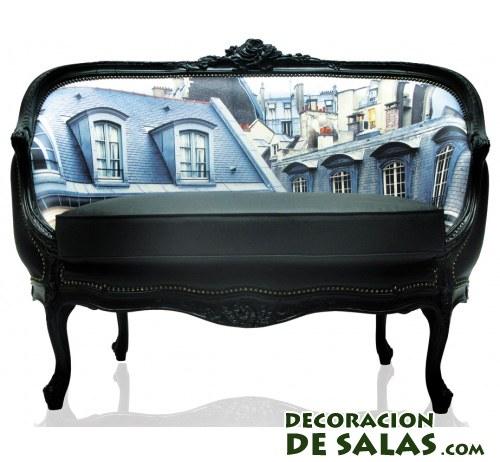 sofá negro con panorámica de ciudad